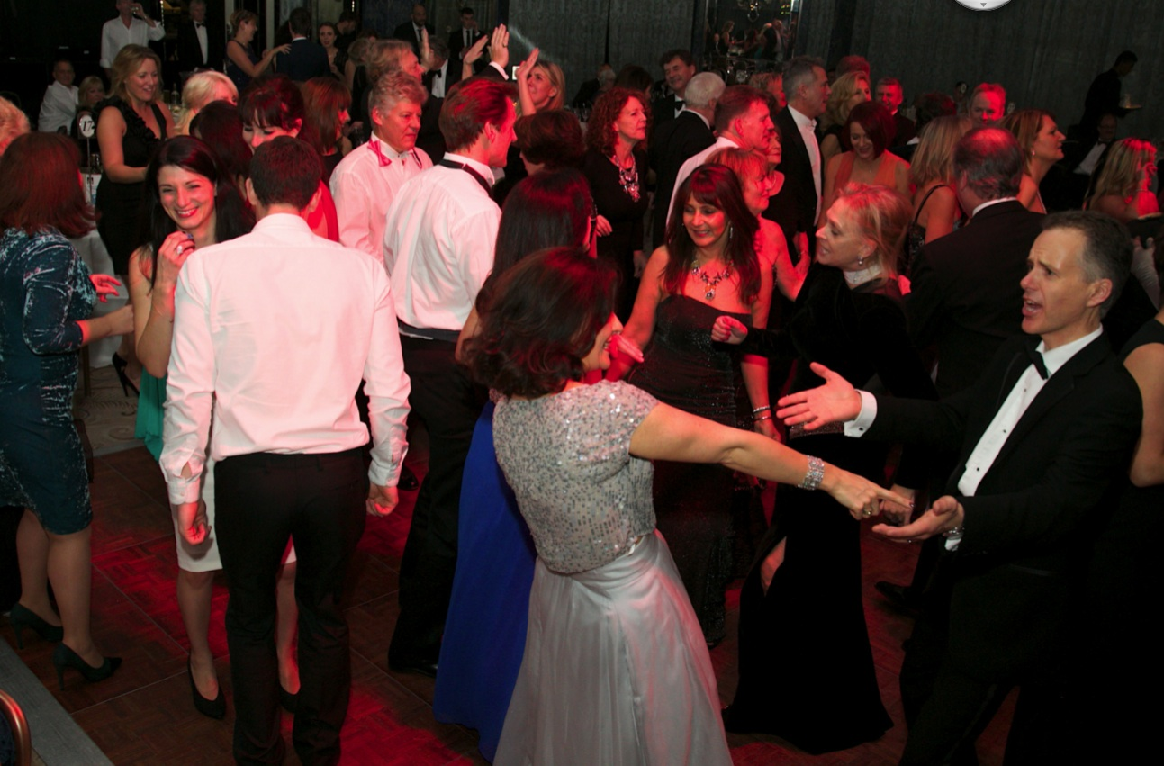 dance-floor-full
