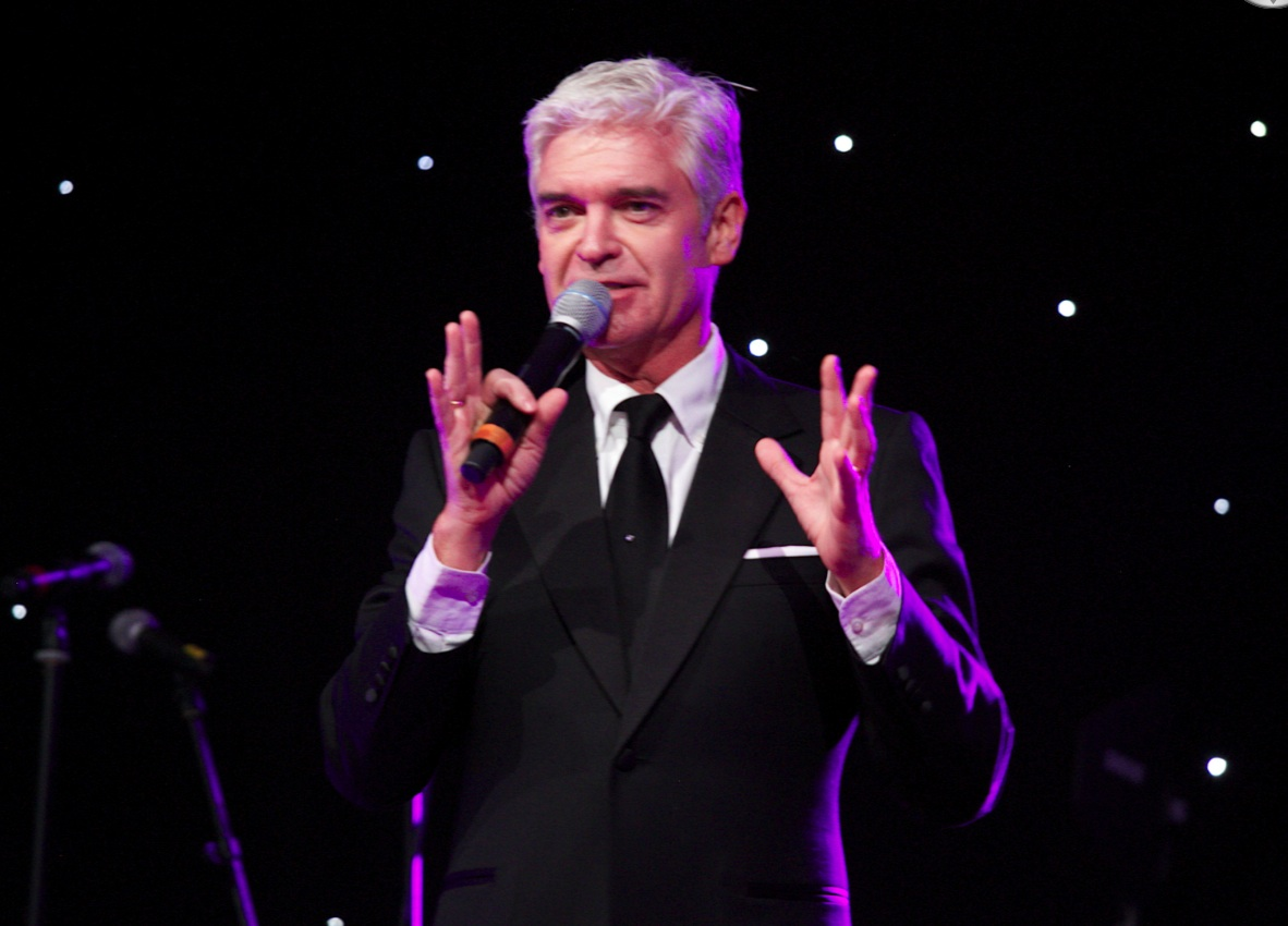 philip-schofield-on-stage